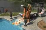 Lésbicas gostosas ao ar livre.